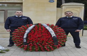 """""""Azpetrol"""" company visited the grave of the Great Leader Heydar Aliyev."""
